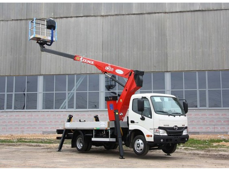Телескопический автогидроподъемник (автовышка) Т-322-Hino-300