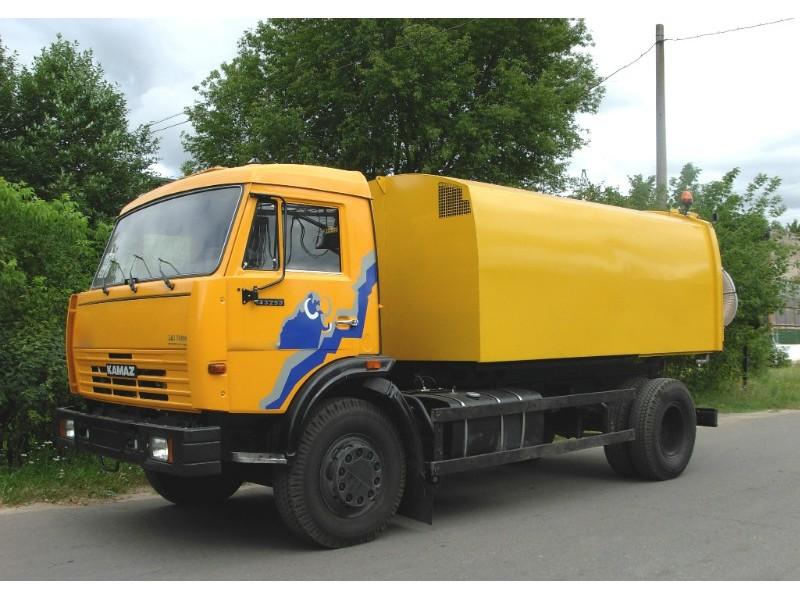 Вакуумная подметально-уборочная машина КО-326-09