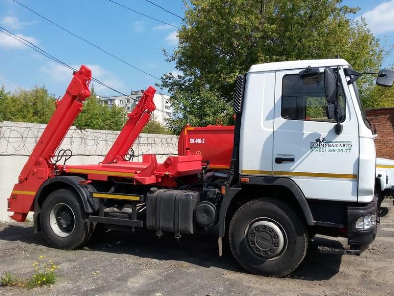 Контейнерный мусоровоз КО-450-10Т