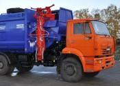 «Kommunal-Avto» – первая компания, реализовавшая мусоровозы с боковой загрузкой маятникового типа на шасси МАЗ-5550В2 и КамАЗ-43255-R4
