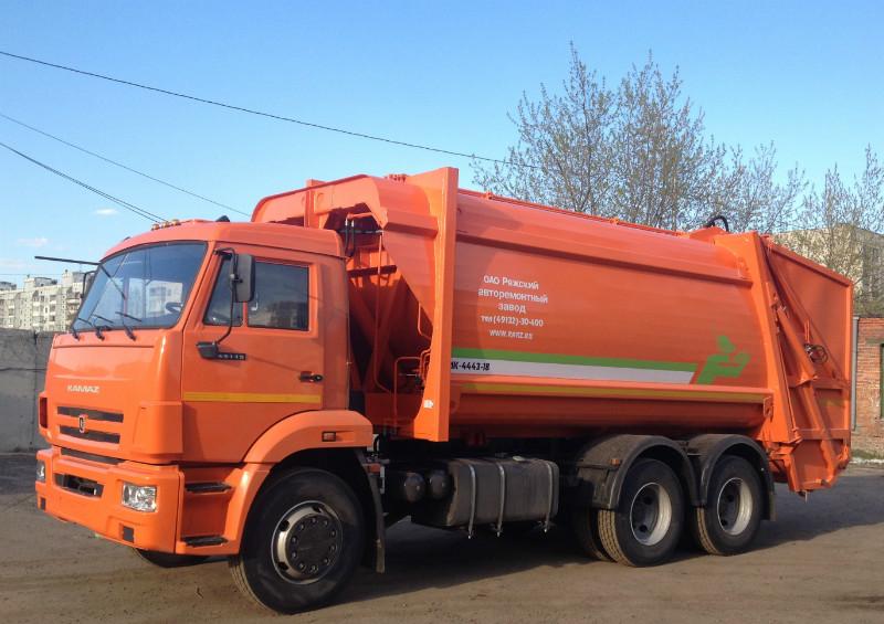 Новые модели мусоровозов с задней загрузкой: фото 1